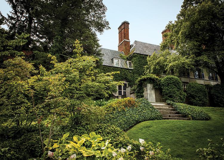 Gardens That Beckon - Exterior
