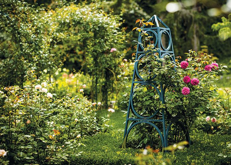 Gardens That Beckon - Garden