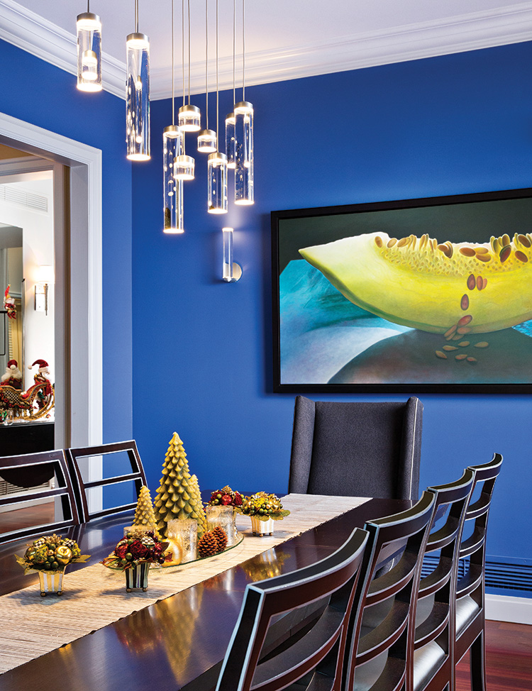 Deck the Halls - Blue Dining Area
