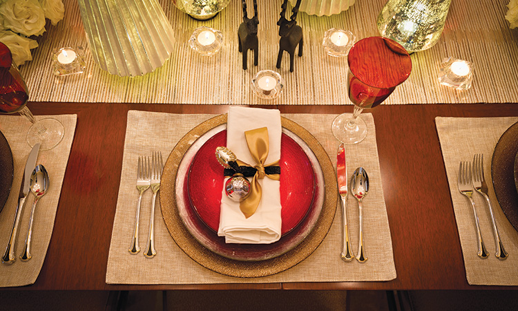 Deck the Halls - Place Settings