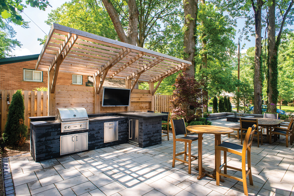 Outdoor Kitchen - 3rd Place